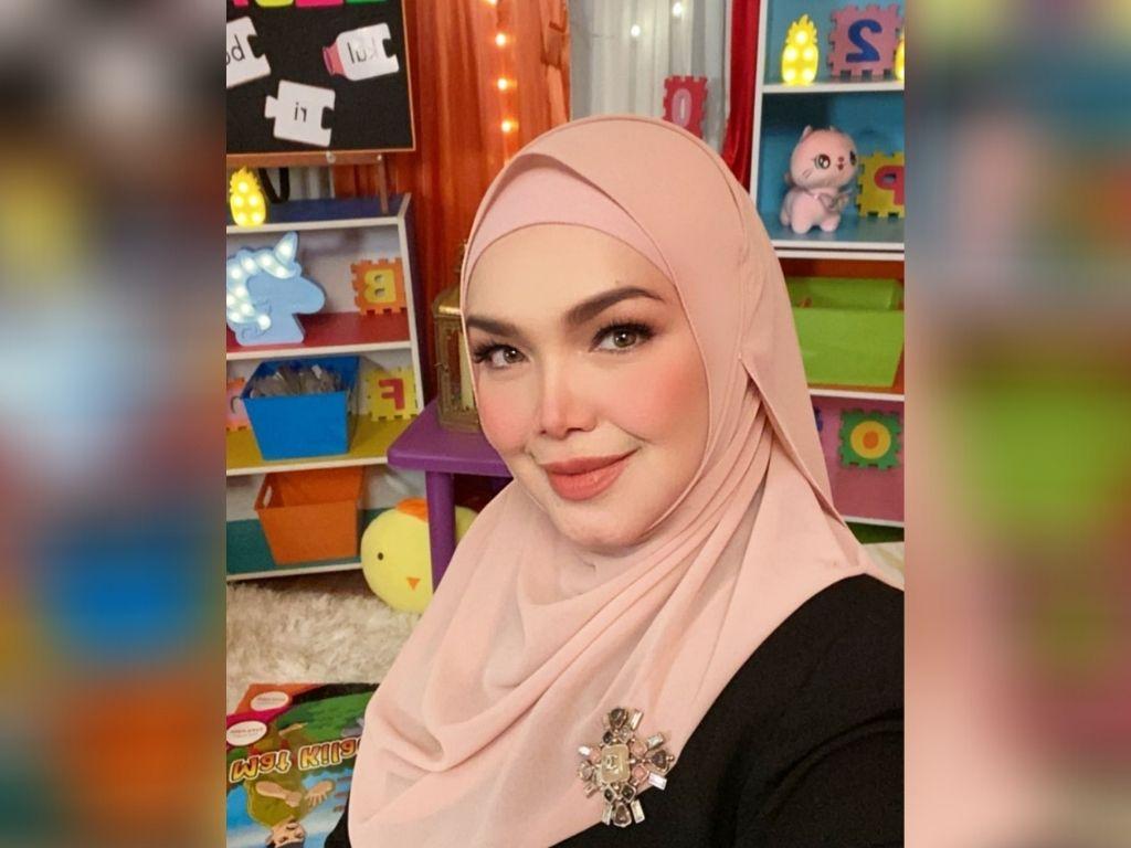 Siti Nurhaliza records children's songs