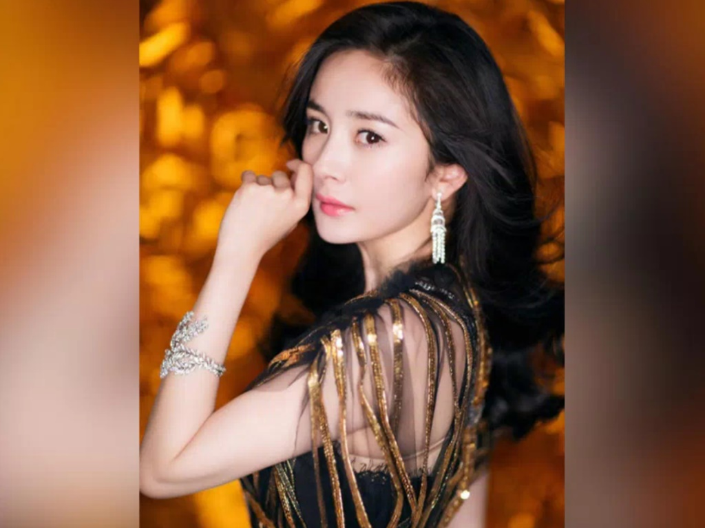 Yang Mi apologises for participating in waist challenge
