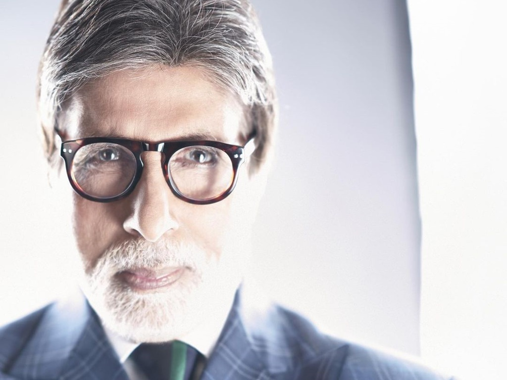 "Amitabh Bachchan withdraws from ""Aankhen 2""?"