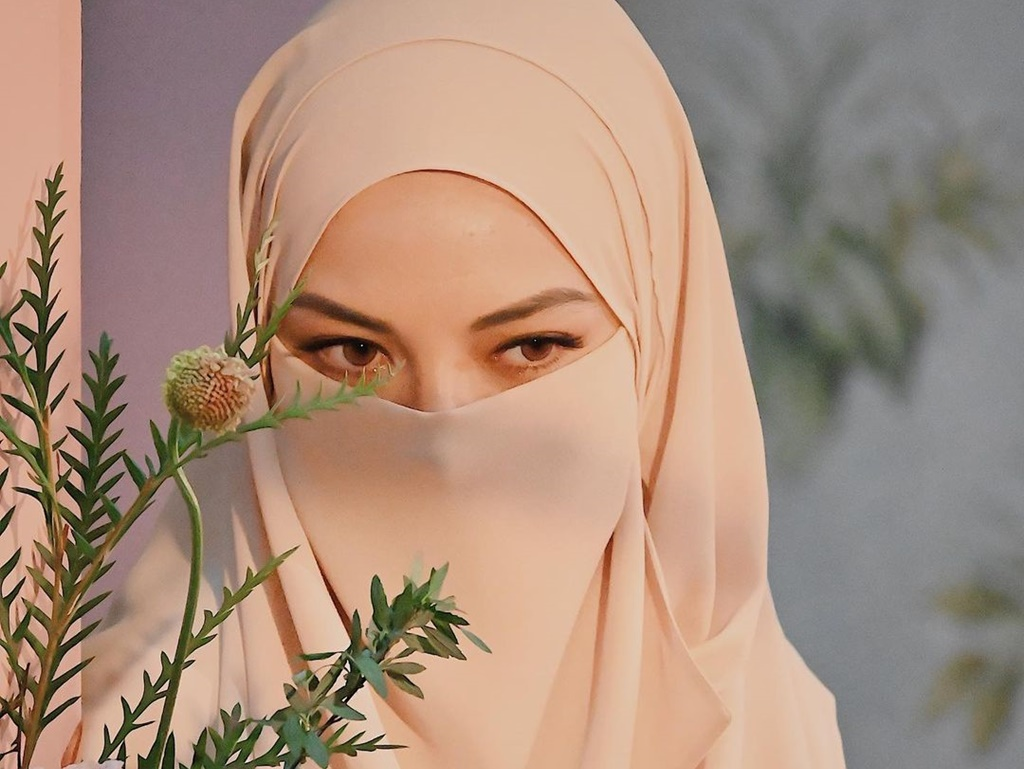 Neelofa wants some space to deal with police investigation