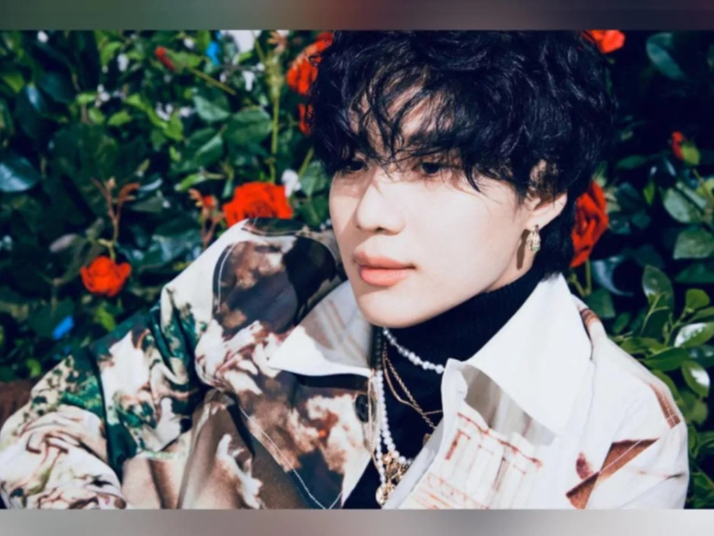 SHINee's Taemin speaks to fans in video after military announcement