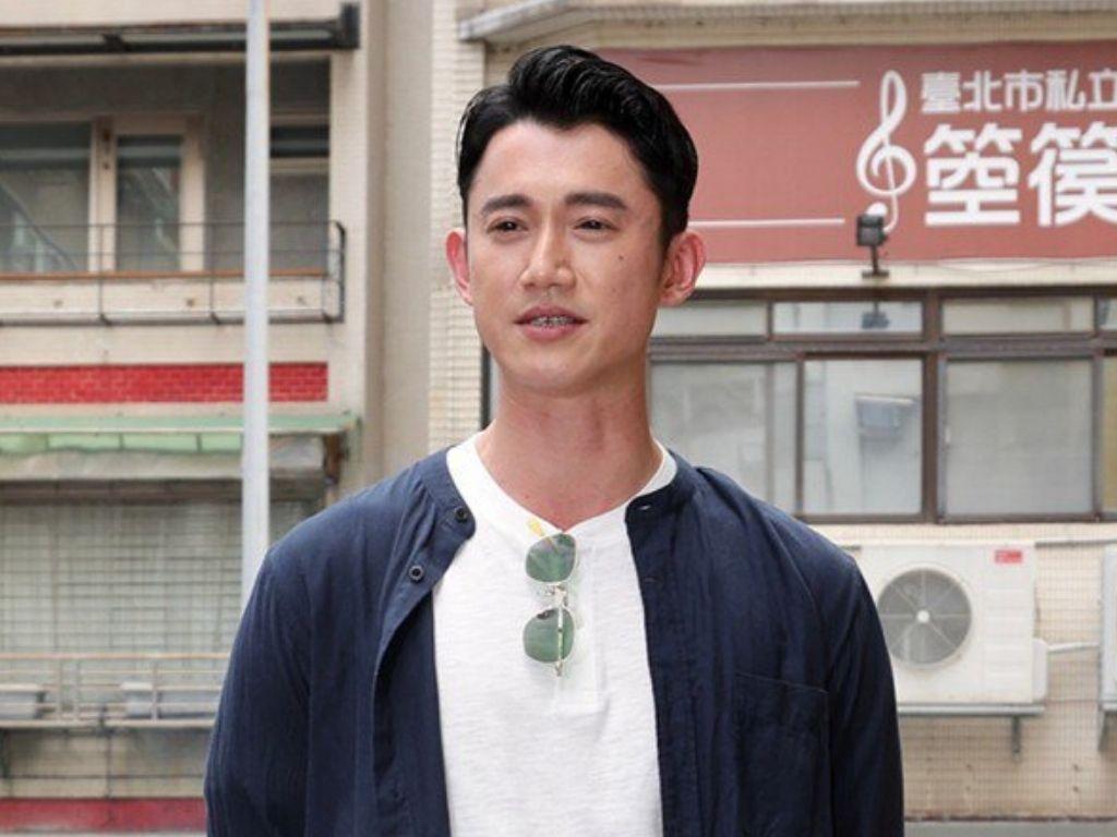 Chris Wu back to work after hospitalisation