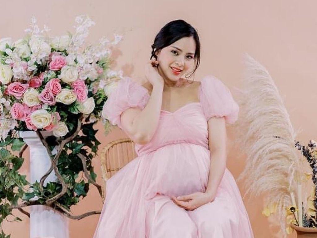 Loren Burgos welcomes first child