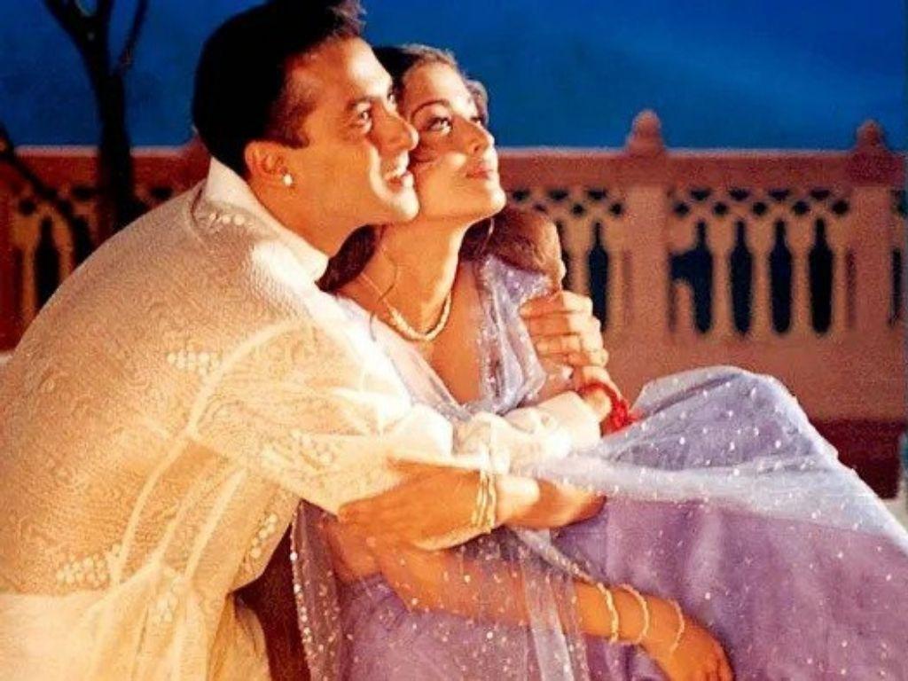 Salman Khan and Aishwarya Rai ignore each other on Hum Dil De Chuke Sanam's anniversary