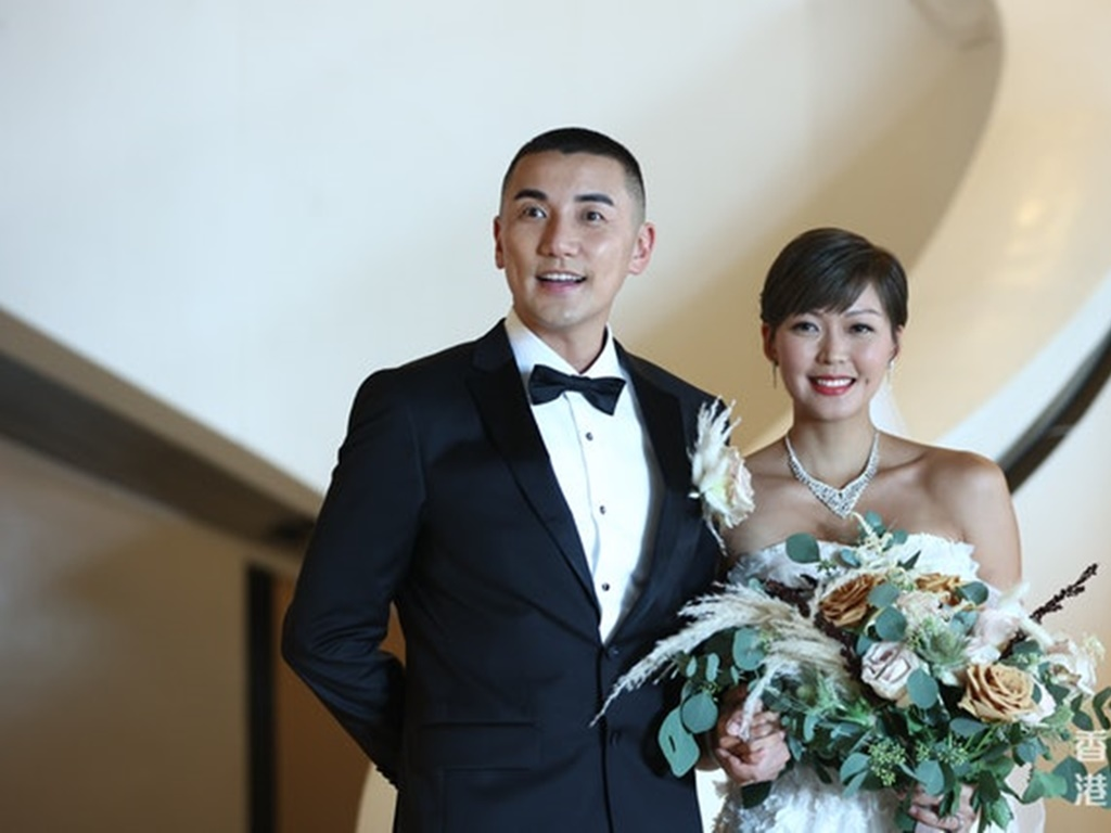 Tony Hung announces wife's pregnancy at their wedding