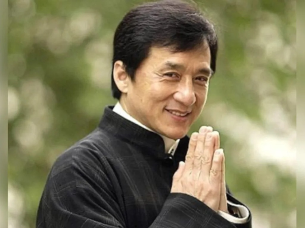 Jackie Chan wants to join the CCP