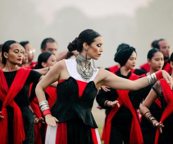 "Alena Murang's ""Warrior Spirit"" wins at UK's International Music Video Awards"