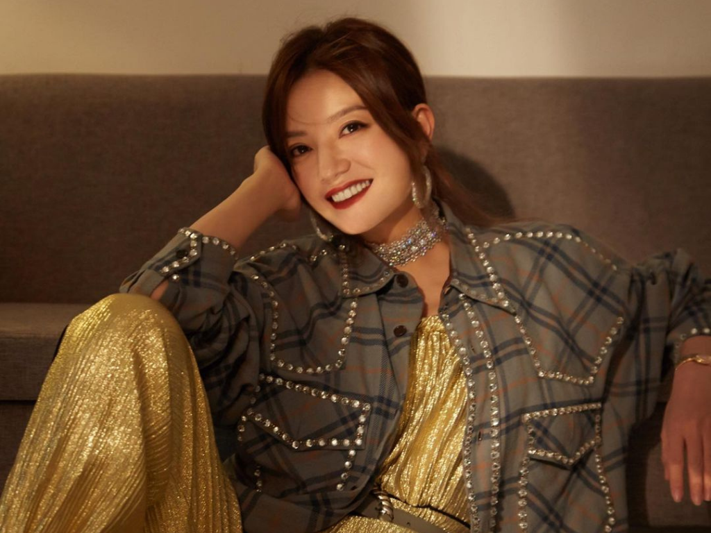 Zhao Wei suddenly gone missing from China's internet
