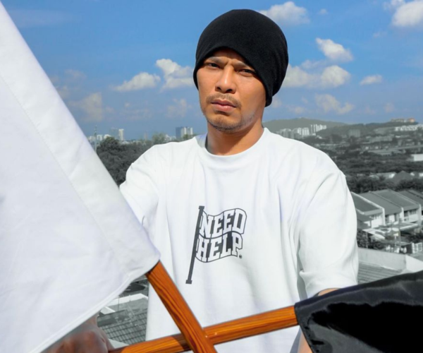 Namewee blocked on Weibo for insinuating similarities between Taliban and the CCP