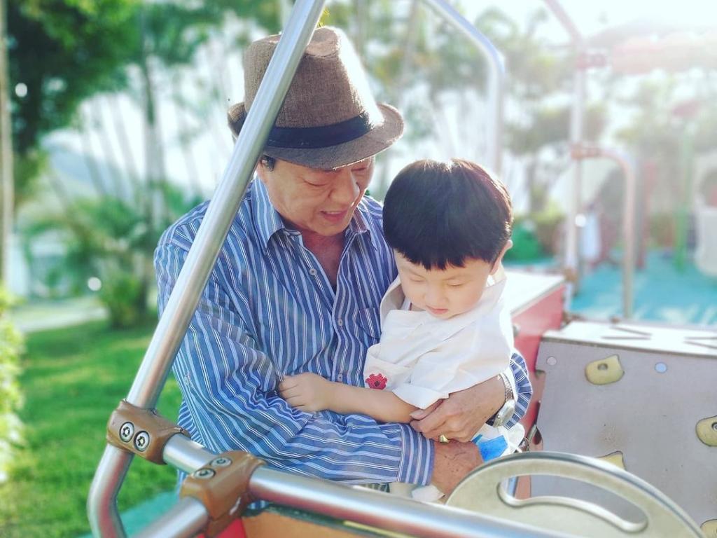 Shaun Tam shares new photo of Ti Lung