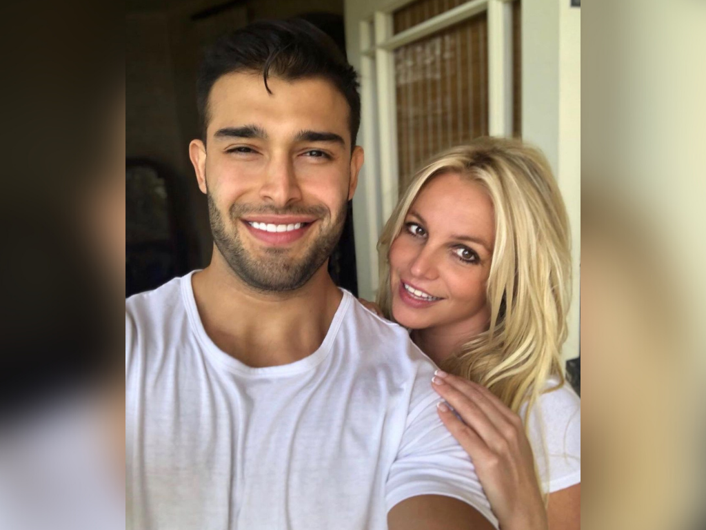 Britney Spears announces engagement with Sam Asghari