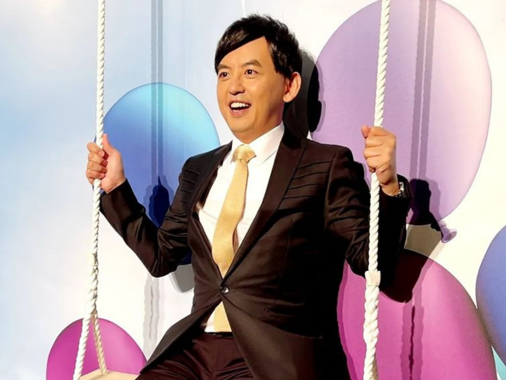 Mickey Huang prepares himself for retirement